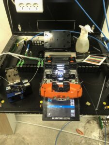 Værktøj til fiberconnektering